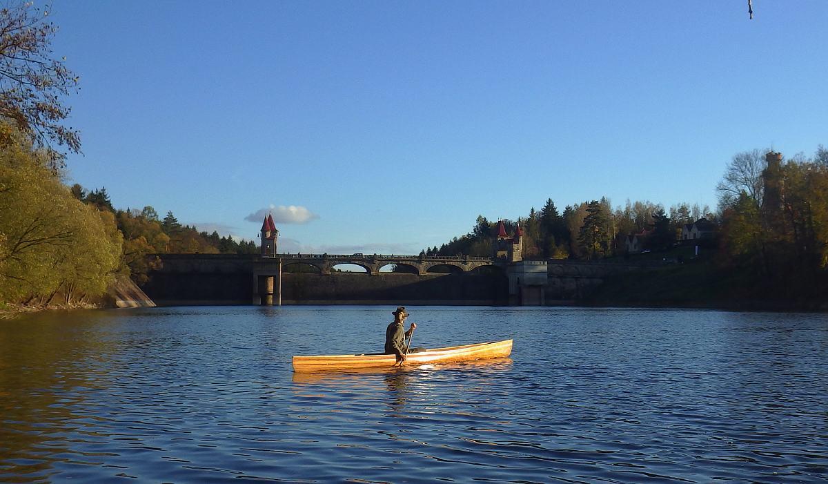 Les Království pádlování kanoe