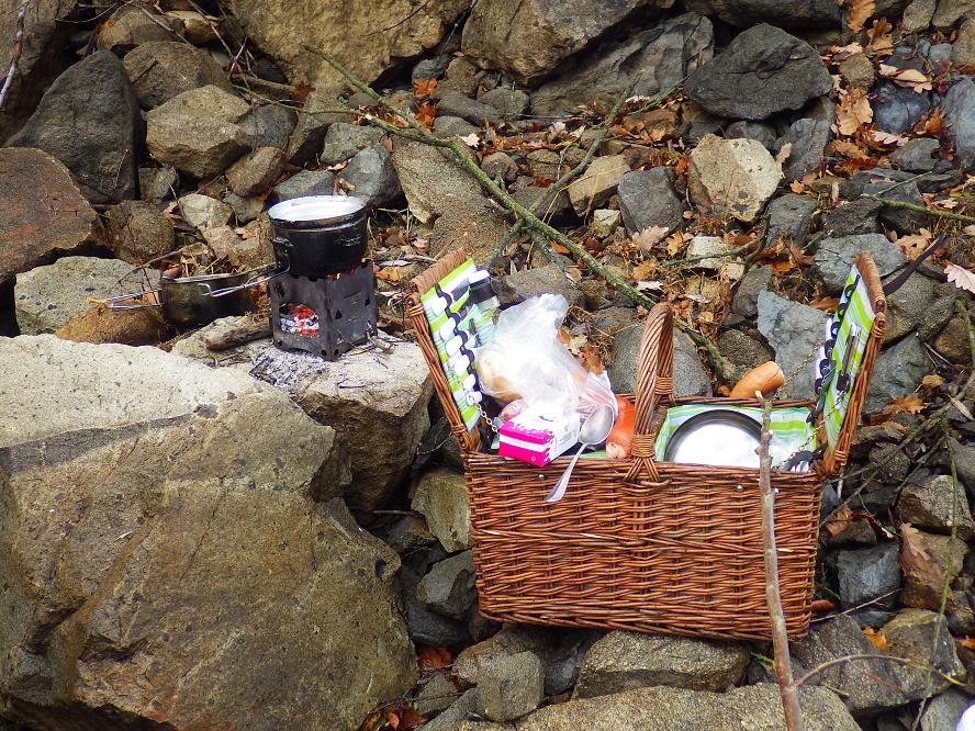 Naše kuchyně, vodák piknik