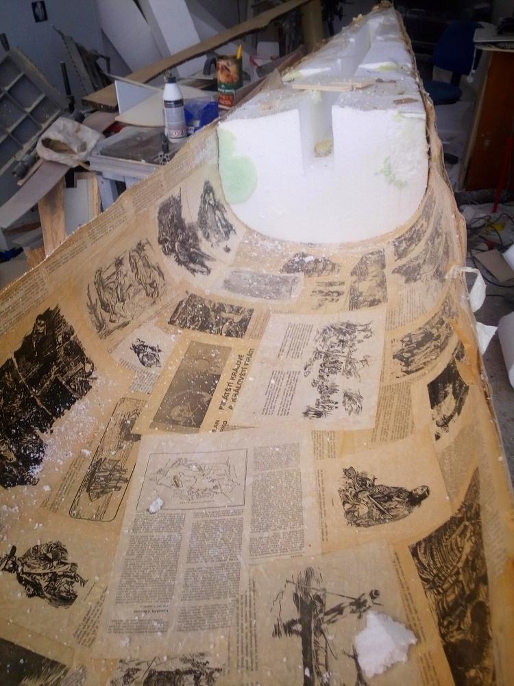 papírová kánoe, Paper canoe