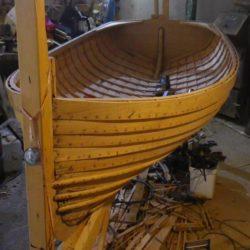 Clinked dinghy, klinkerová dřevěná plachetnice, Octopus shipyard