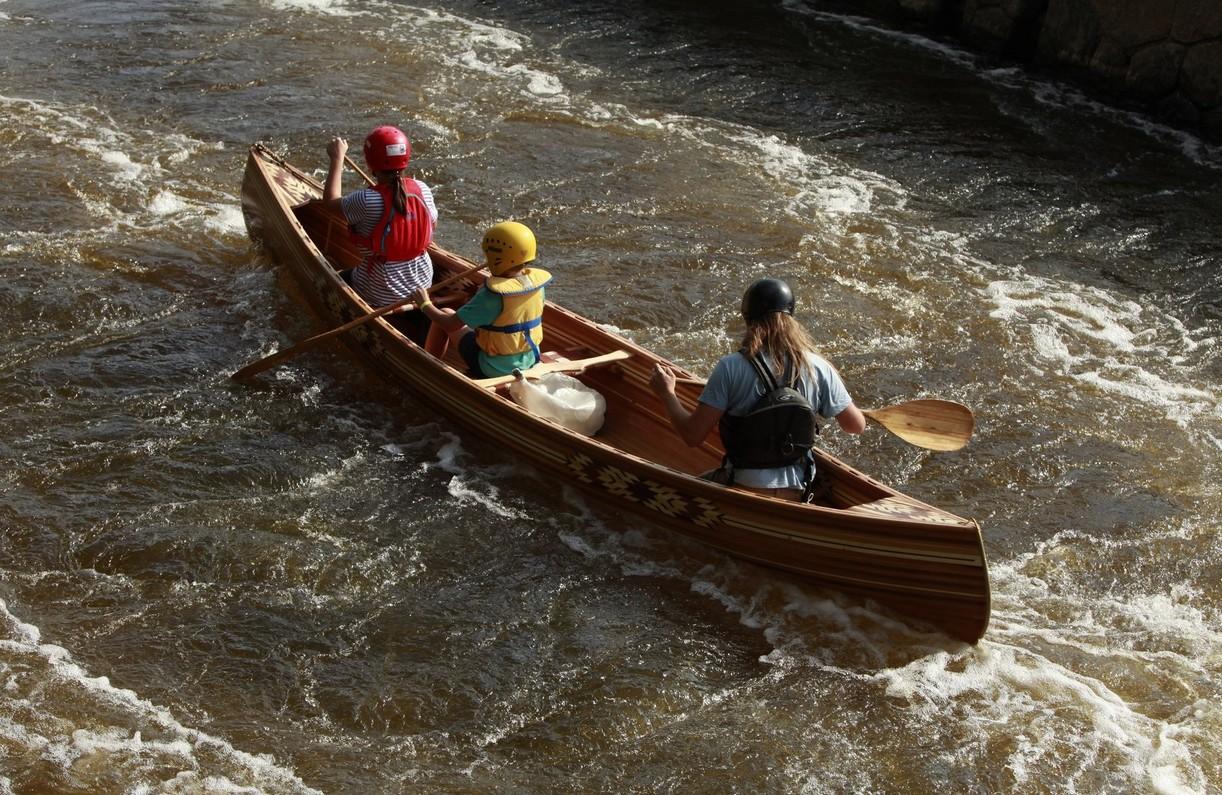 Dřevěná kanoe Prospector